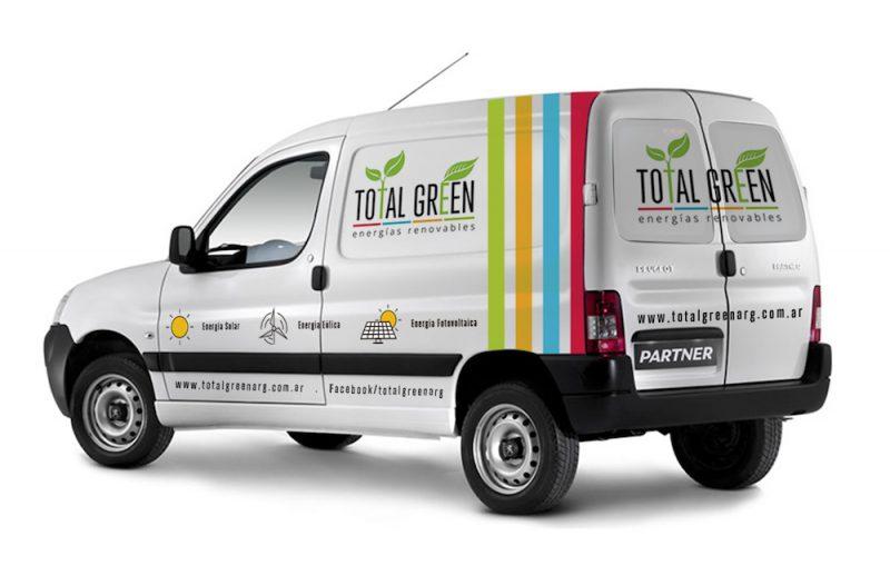 Total Green ploteado camioneta diseño gráfico